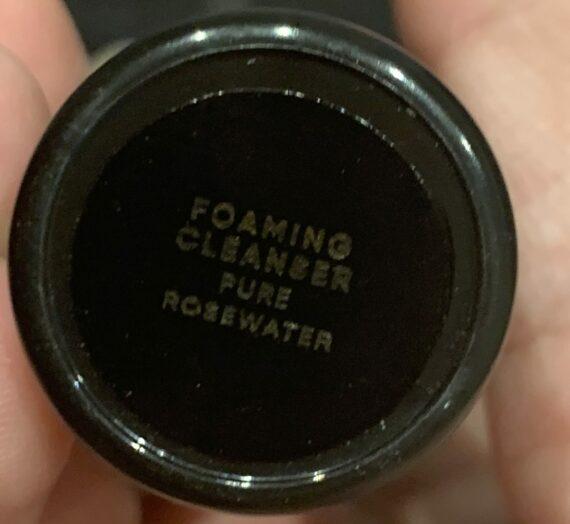 Anaaka foaming cleanser